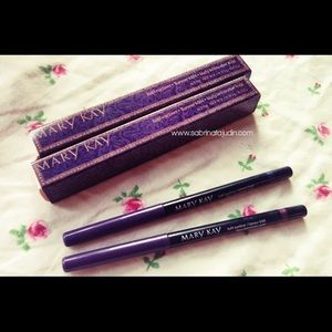 Kohl Eyeliners available in two colors NIB
